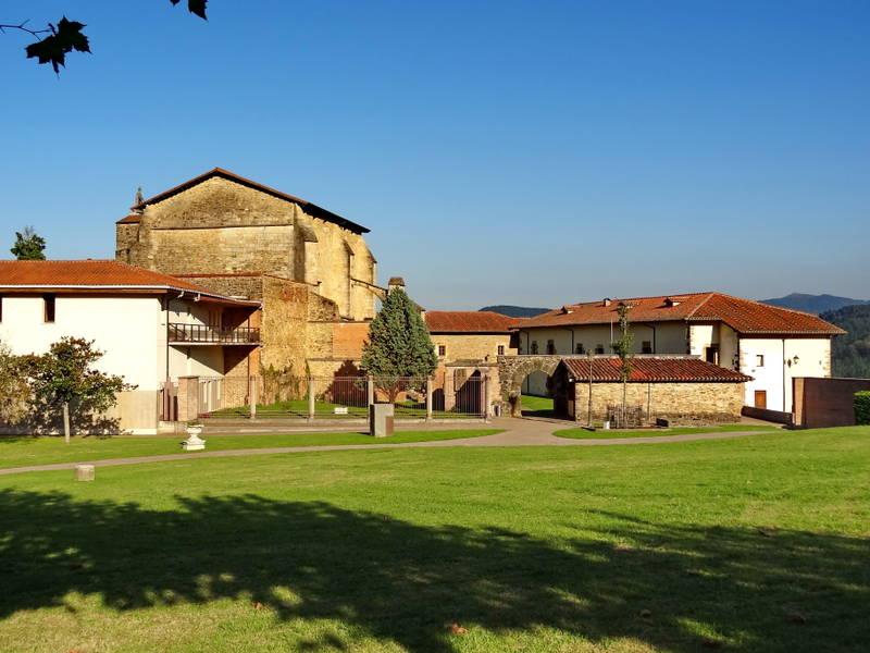 монастырские стены