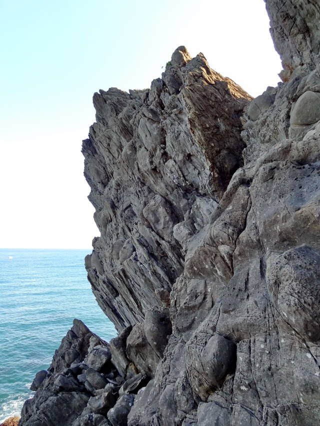 каменистые склоны